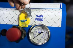 Image showing the saw feed gauge