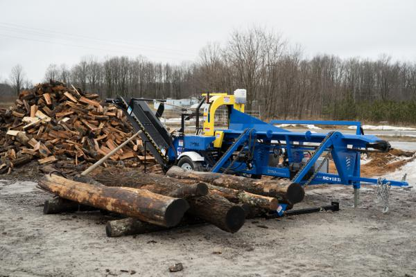 DYNA Firewood Processor SC-12 log splitter