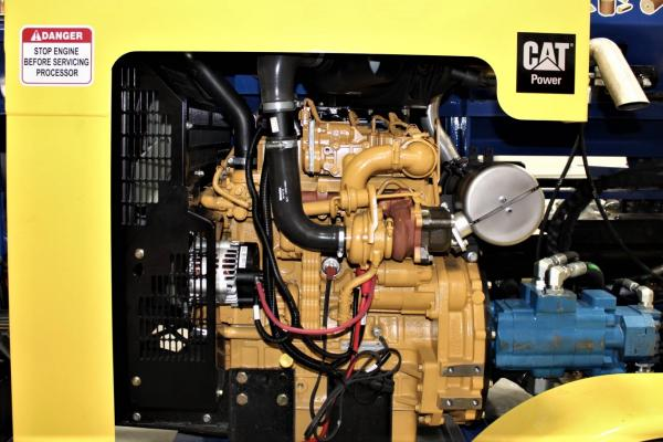 Easily Accessible Engine - SC-16 FIREWOOD PROCESSOR